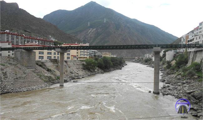 四川省甘孜县丹巴三岔河旧桥重建